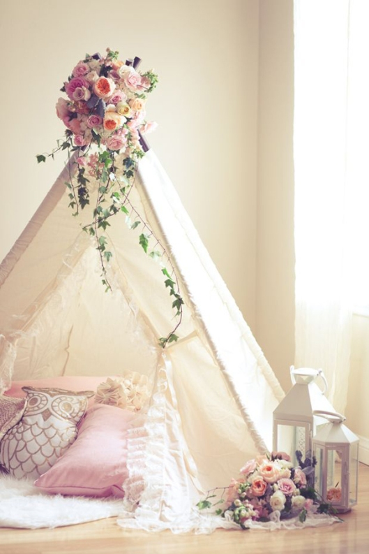 shabby-chic-baby-nursery-with-tent-decor